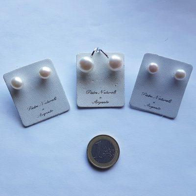Orecchini in perle di fiume e argento rodiato